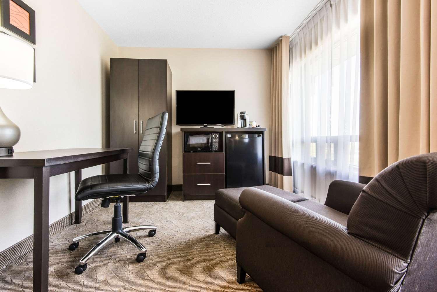 Room - Comfort Inn Owen Sound