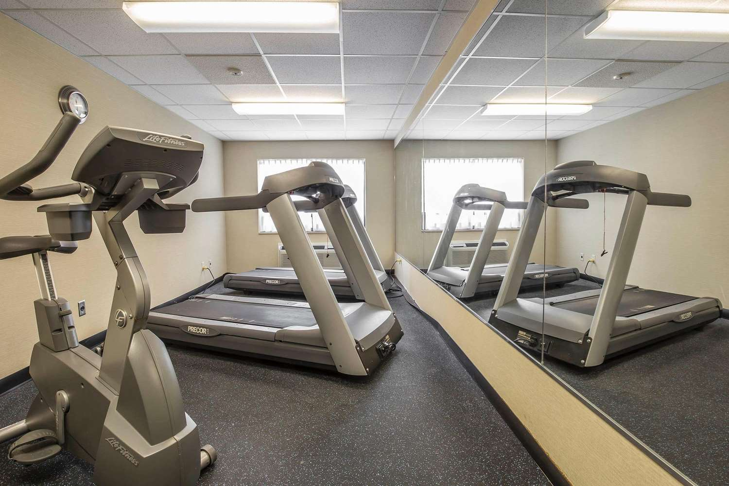 Fitness/ Exercise Room - Comfort Inn Pickering