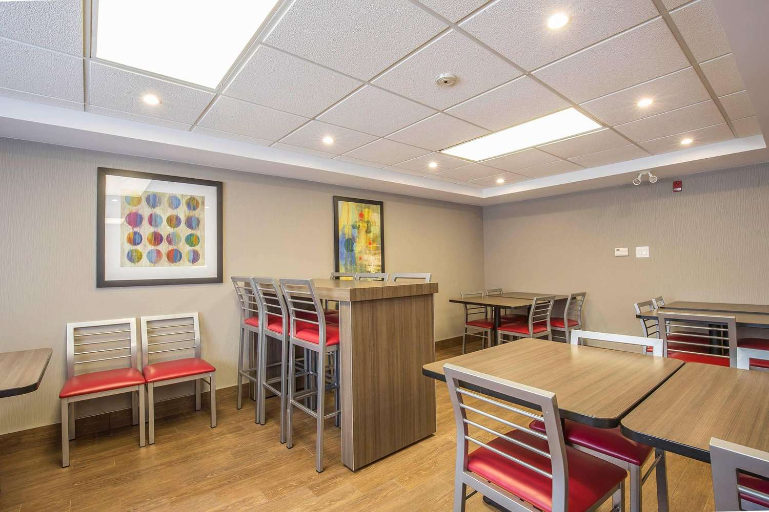 Restaurant - Comfort Inn Pickering