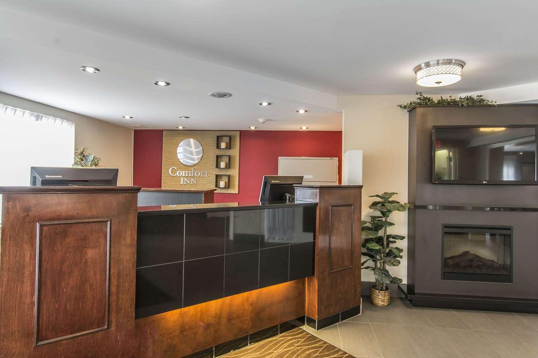 Lobby - Comfort Inn Sault Ste Marie