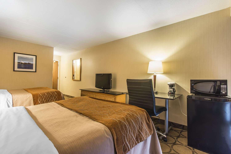 Room - Comfort Inn Sault Ste Marie