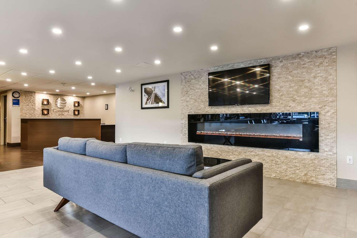 Lobby - Comfort Inn Windsor