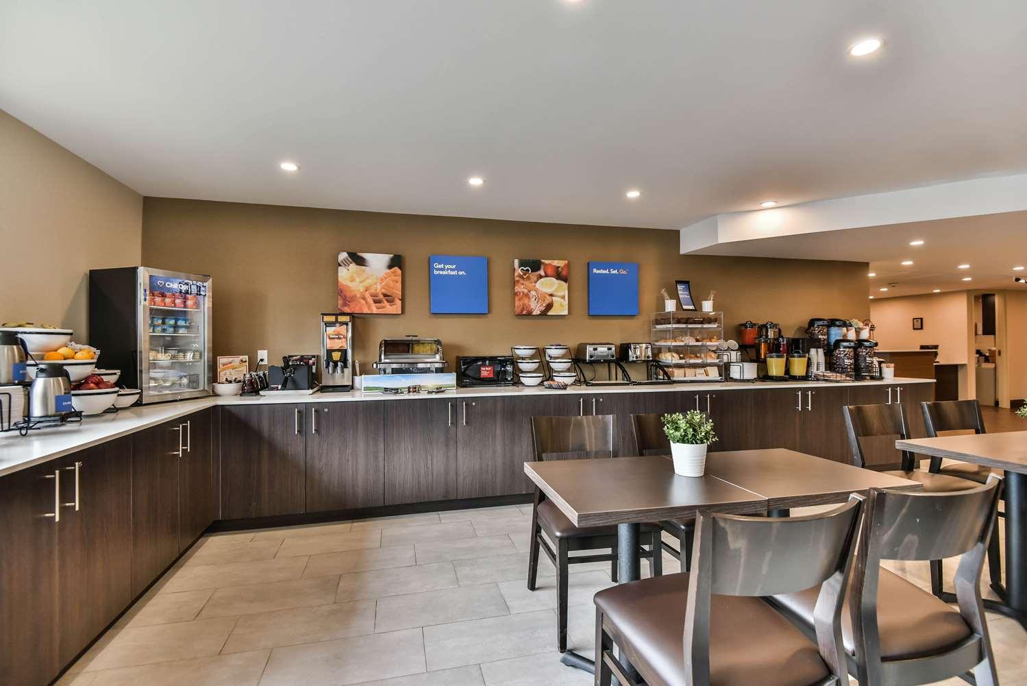 Restaurant - Comfort Inn Windsor