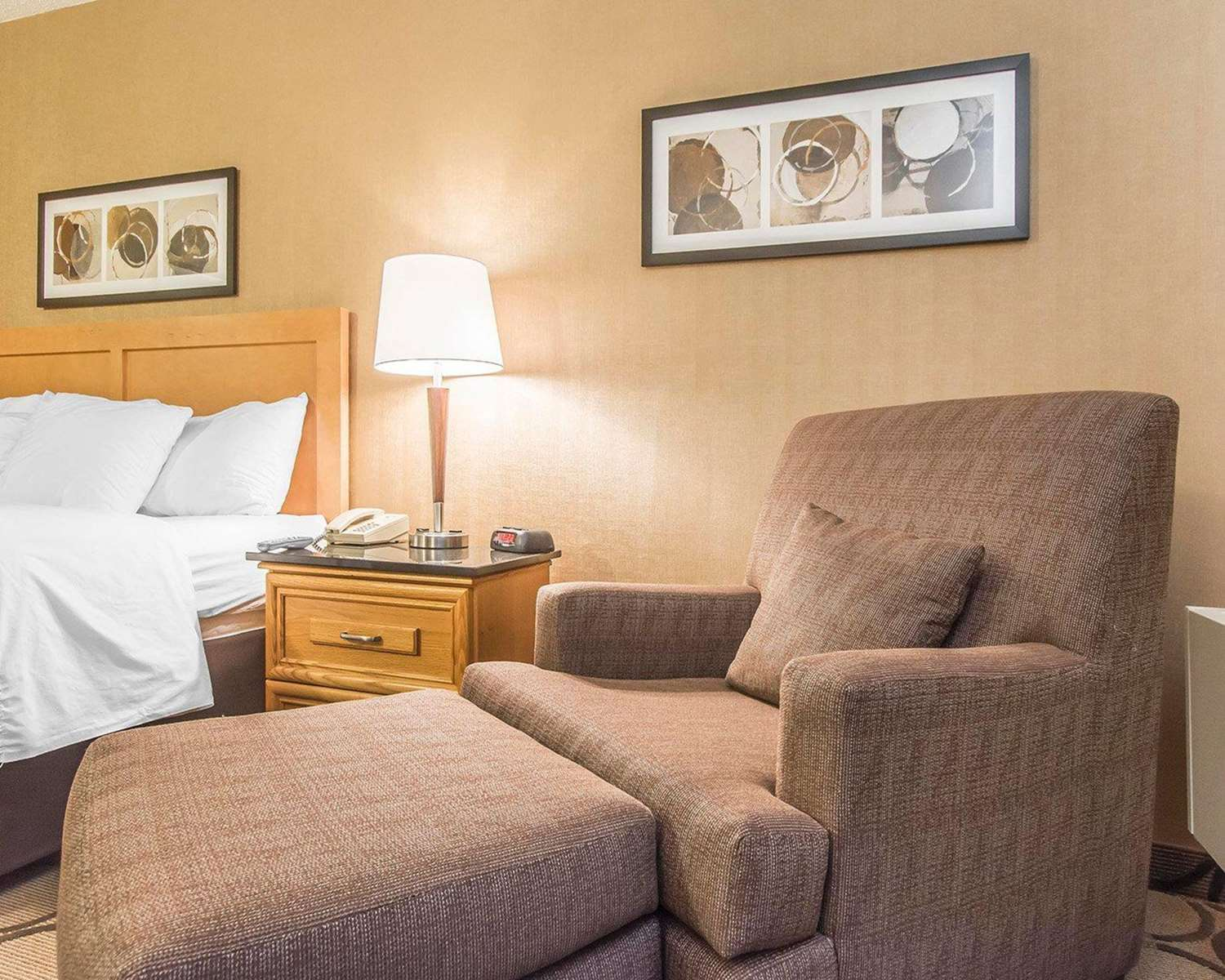 Room - Comfort Inn Alma