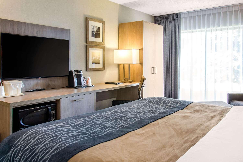 Room - Comfort Inn Montreal Airport Dorval