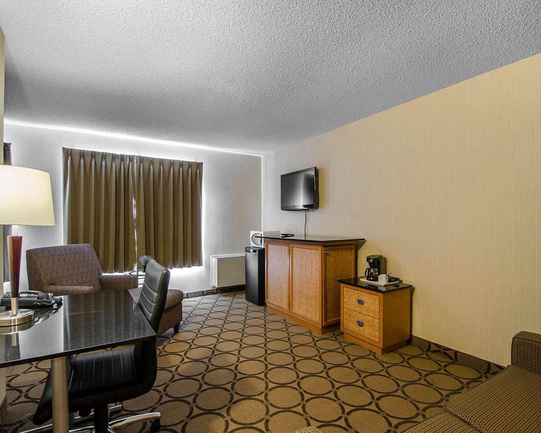 Room - Comfort Inn Regina