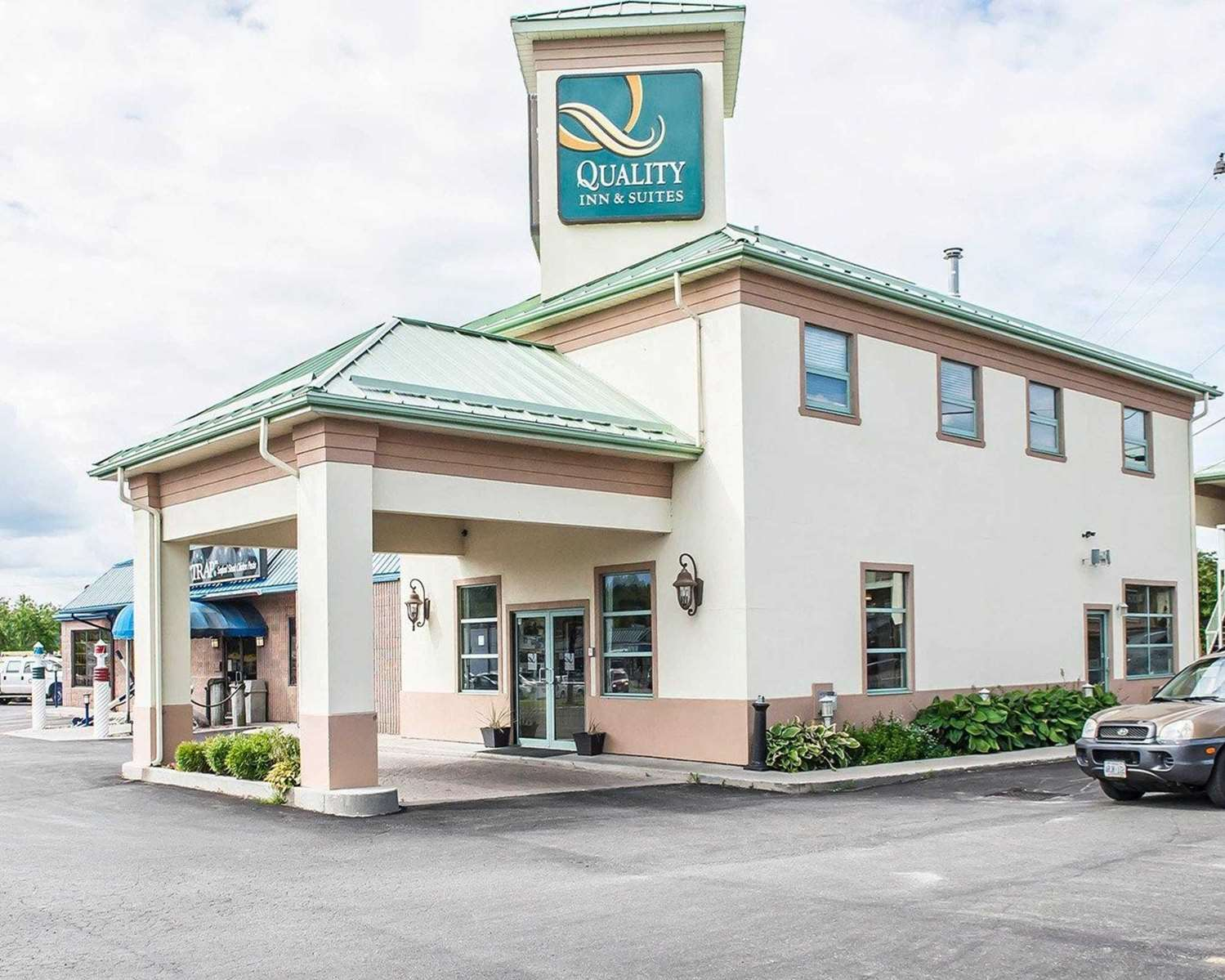Exterior view - Quality Inn & Suites 1000 Islands Gananoque