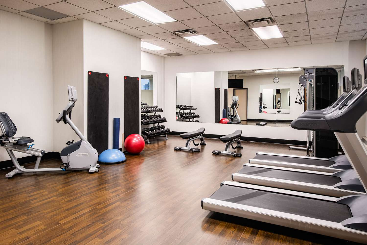 Fitness/ Exercise Room - Clarion Hotel & Suites Winnipeg
