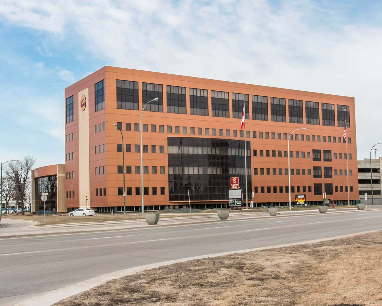 Exterior view - Clarion Hotel & Suites Winnipeg