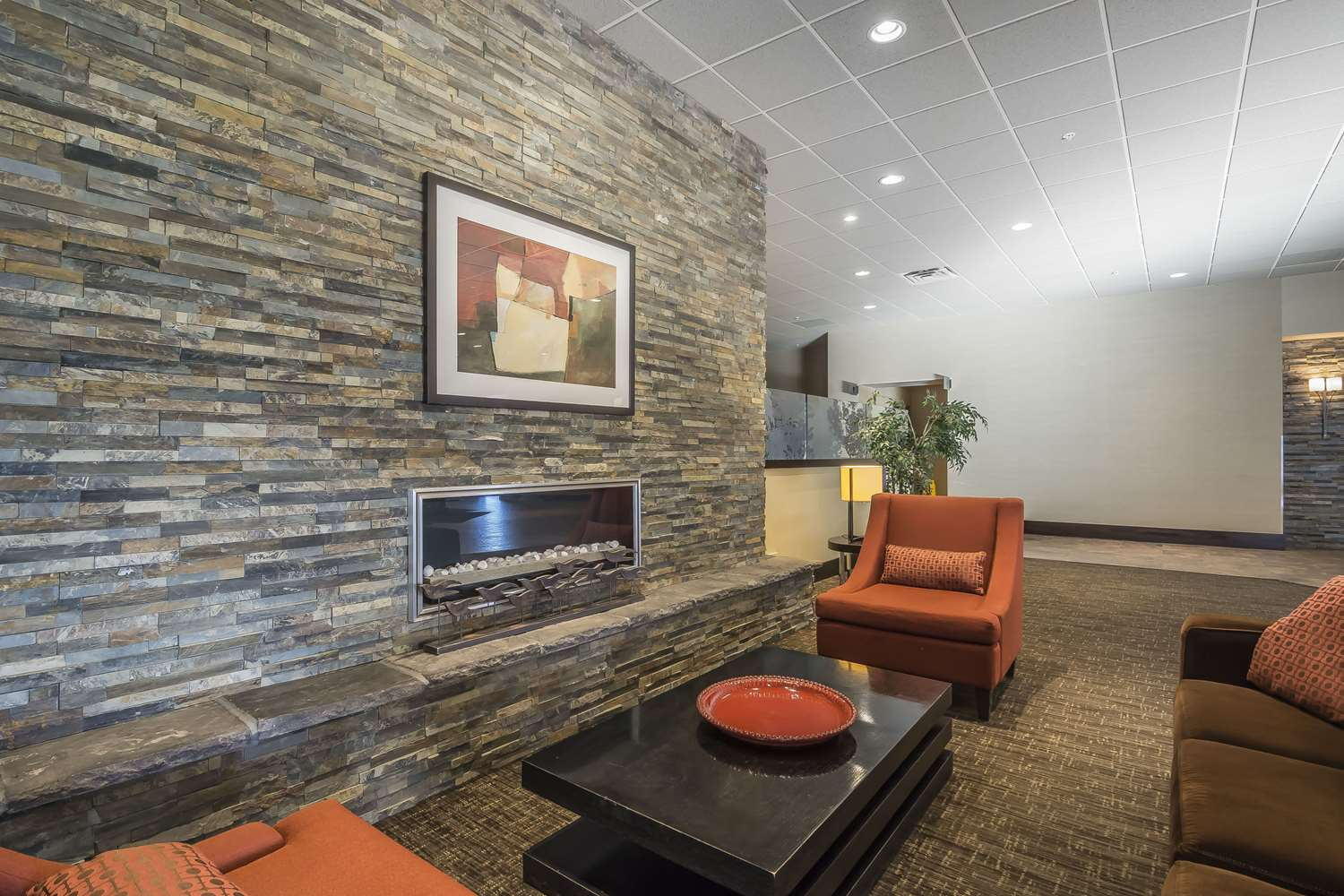 Lobby - Quality Hotel & Conference Centre Fort McMurray