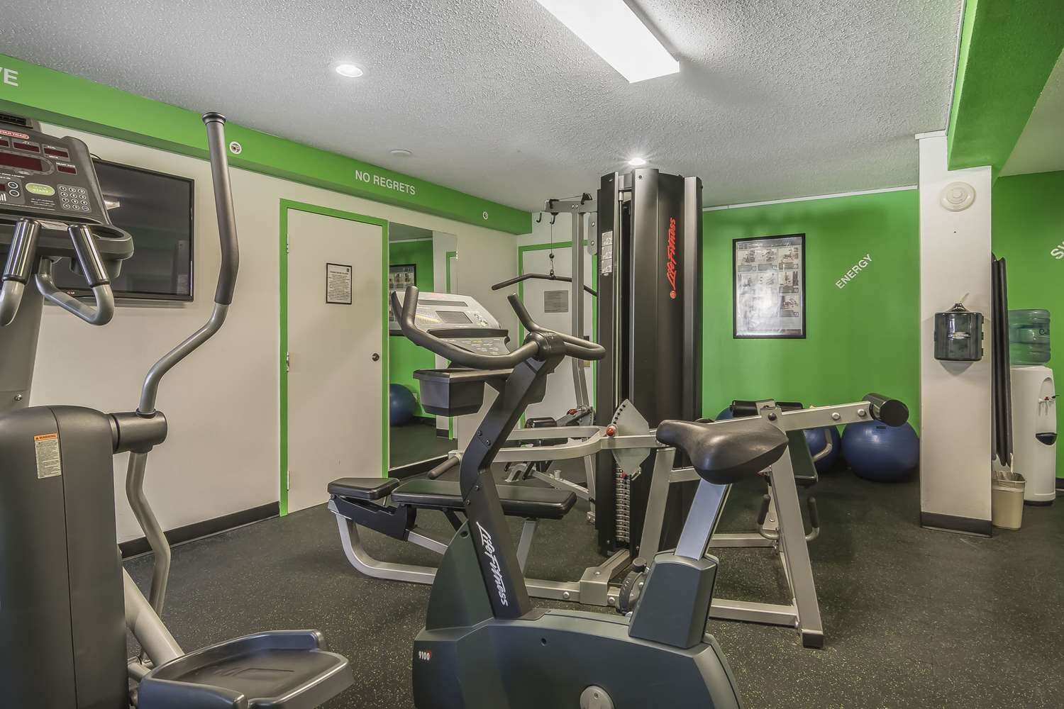 Fitness/ Exercise Room - Quality Hotel & Conference Centre Fort McMurray