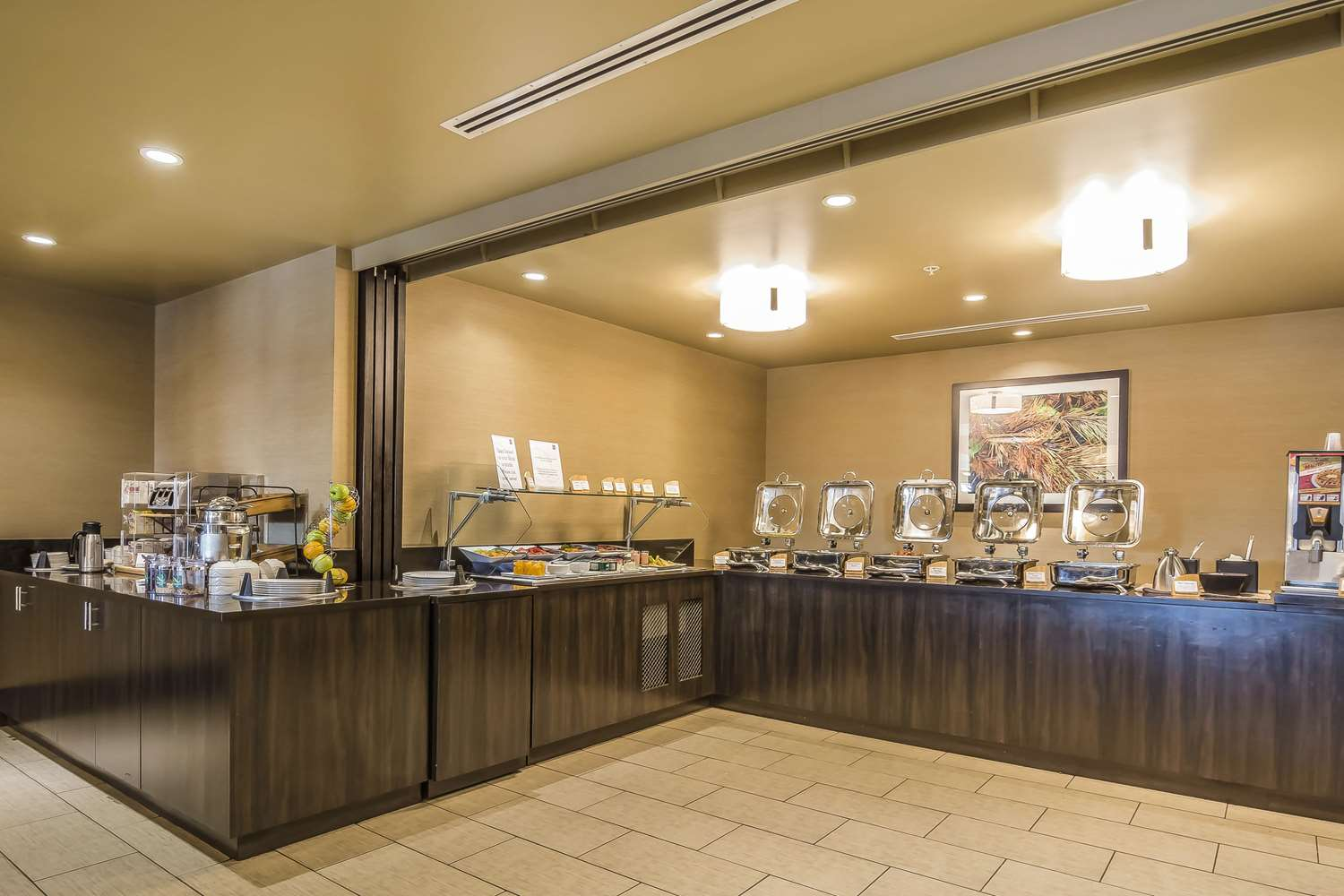 Restaurant - Quality Hotel & Conference Centre Fort McMurray