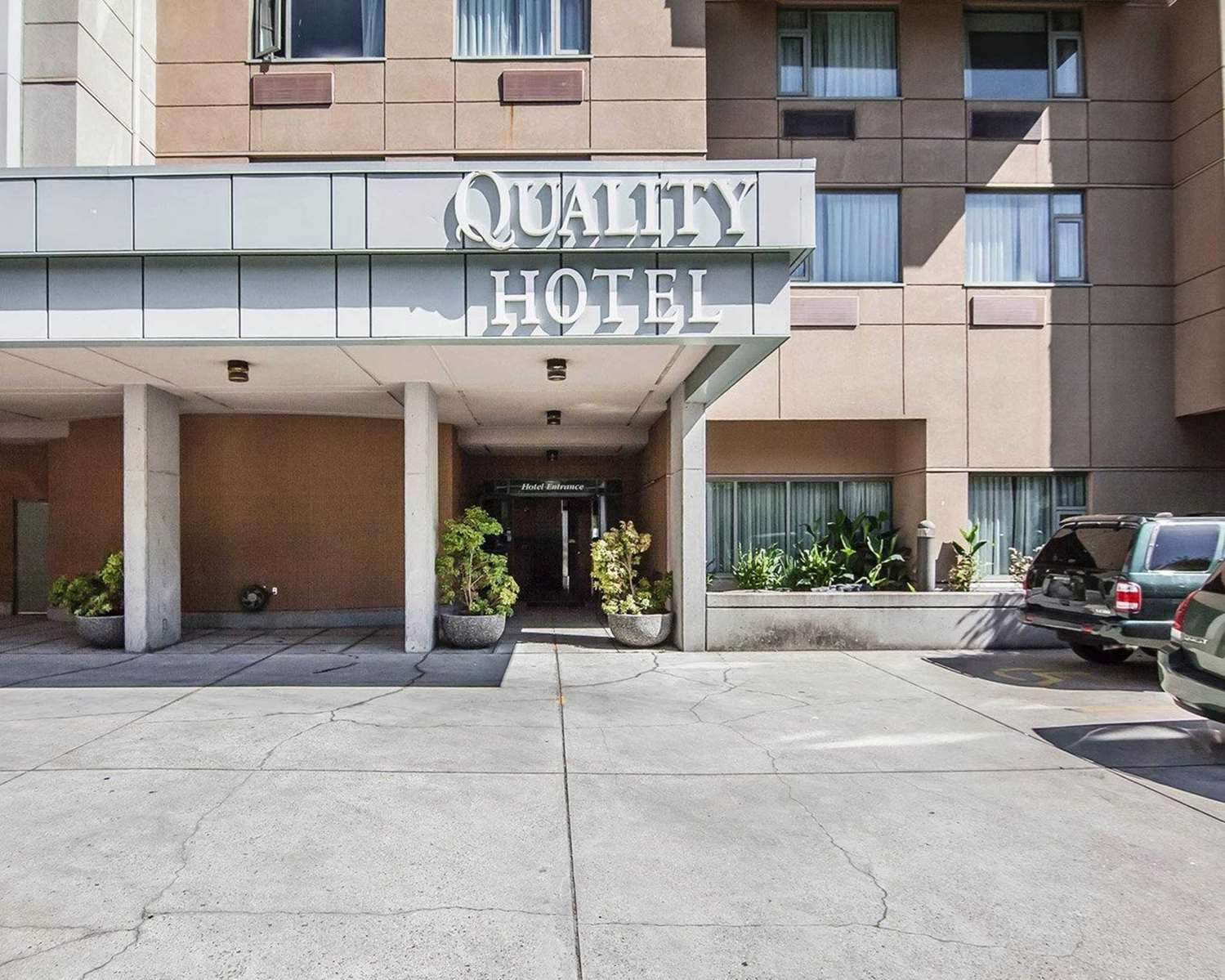 Exterior view - Quality Hotel Vancouver Airport South Richmond