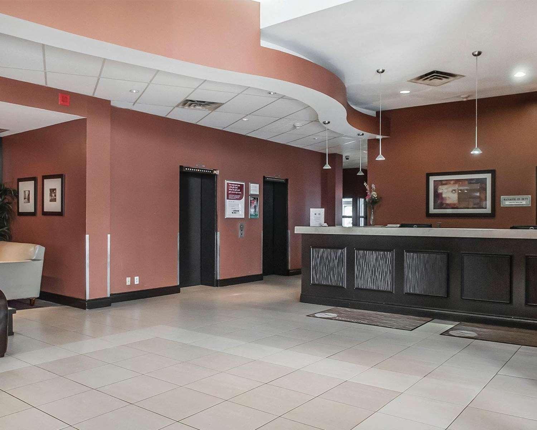 Lobby - Comfort Hotel Etobicoke