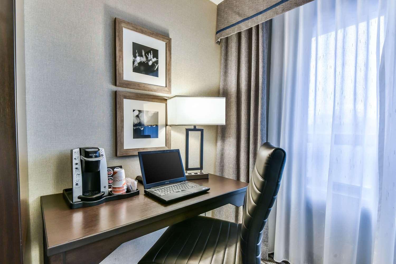 Room - Comfort Hotel Etobicoke
