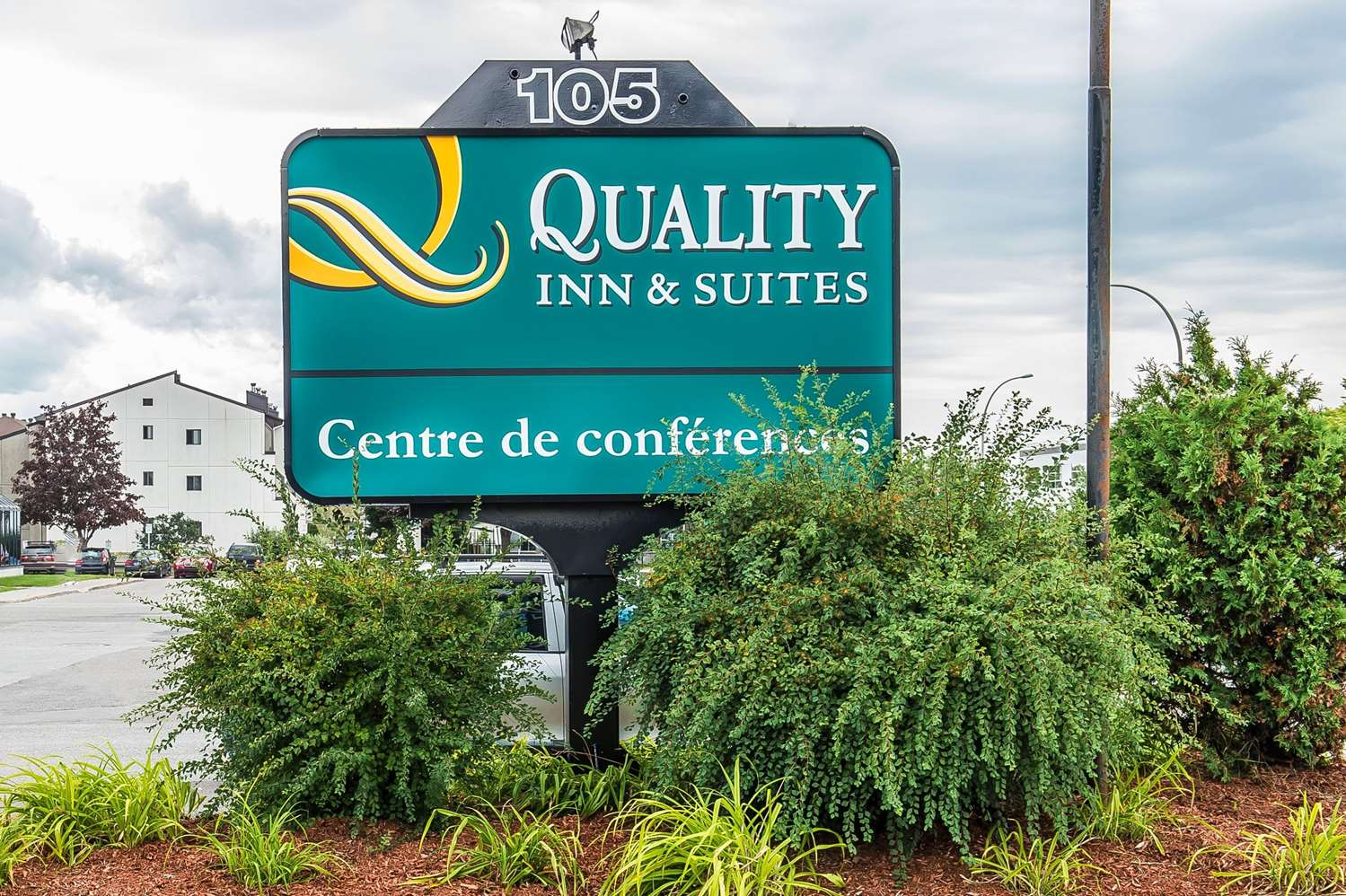 Exterior view - Quality Inn & Suites Gatineau