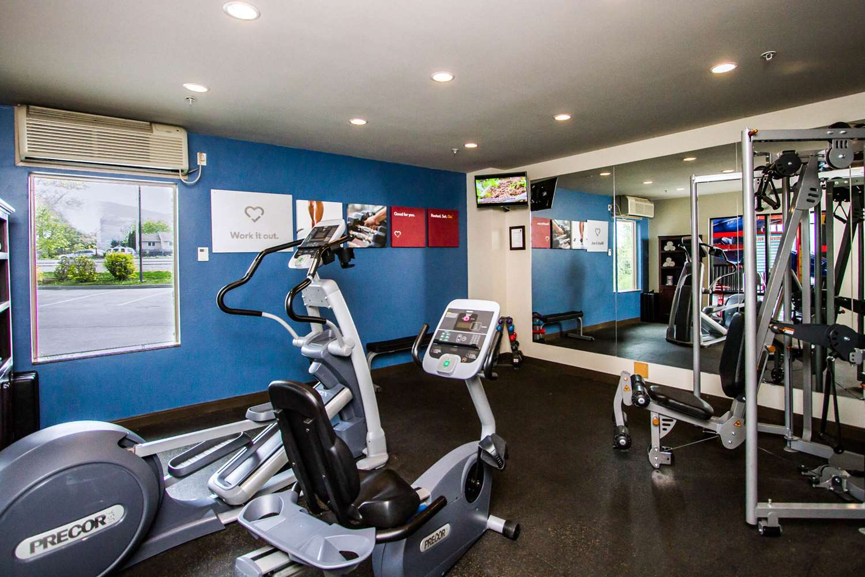 Fitness/ Exercise Room - Comfort Suites East Kelowna