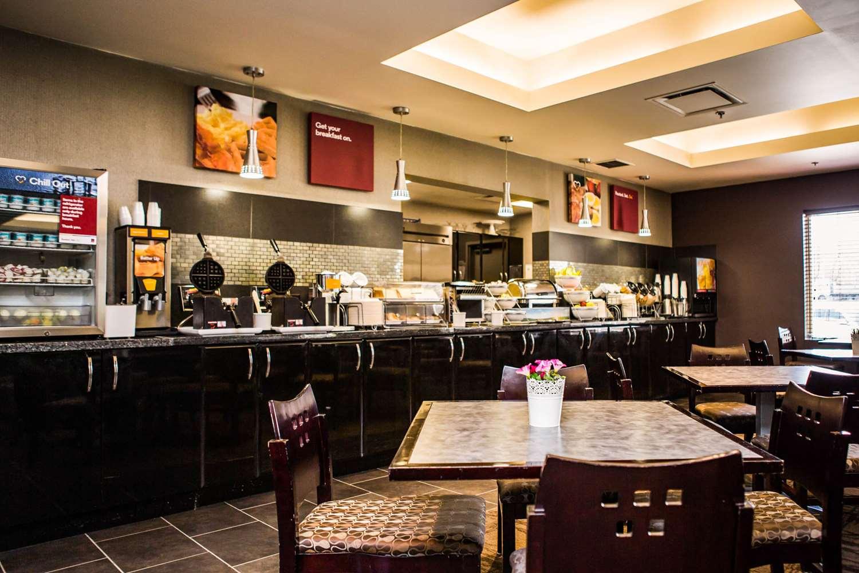 Restaurant - Comfort Suites East Kelowna