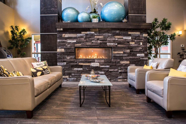 Lobby - Comfort Suites East Kelowna