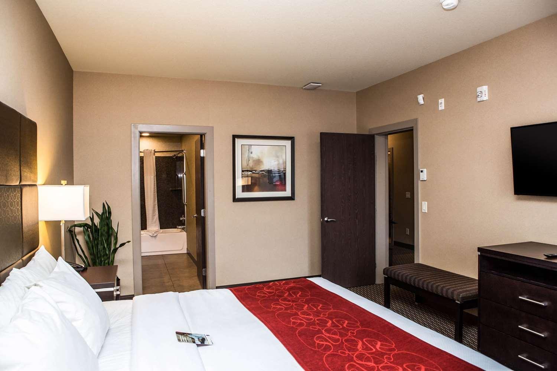 Suite - Comfort Suites East Kelowna