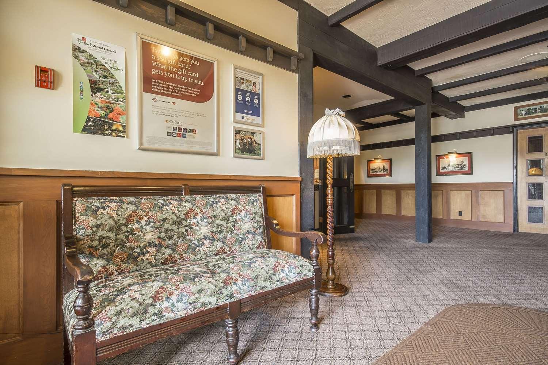 Lobby - Quality Inn Waddling Dog Saanichton