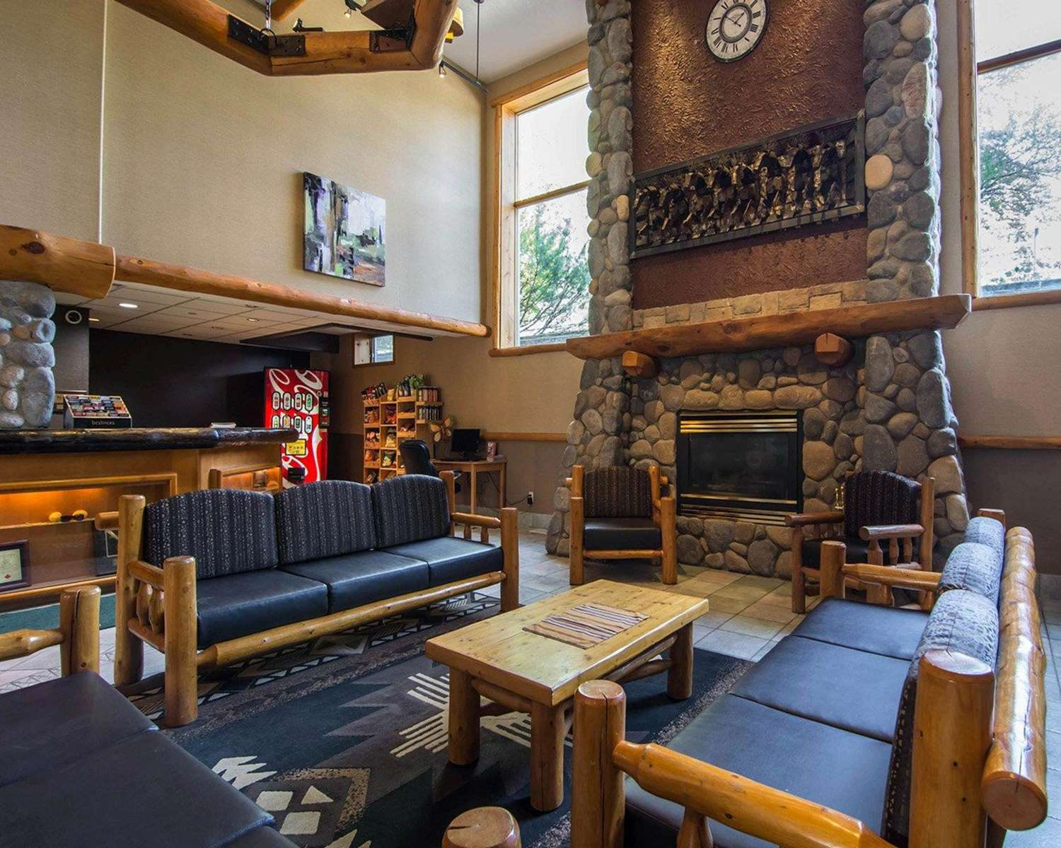Lobby - Quality Resort Chateau Canmore