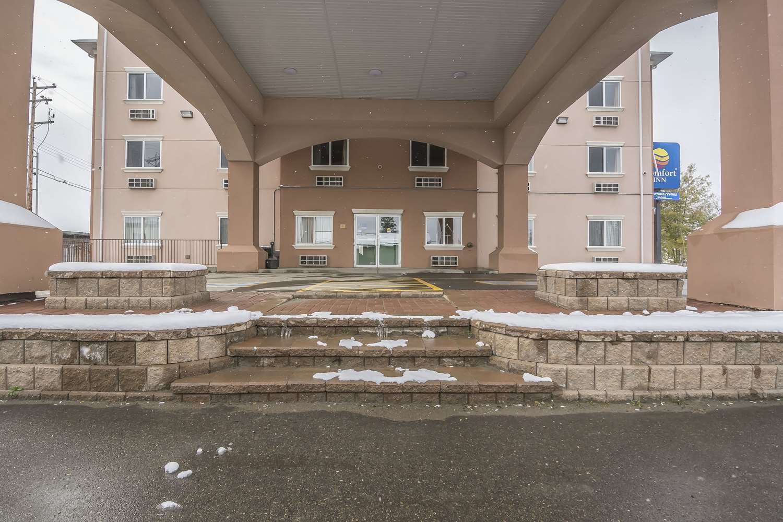 Exterior view - Comfort Inn & Suites Edson