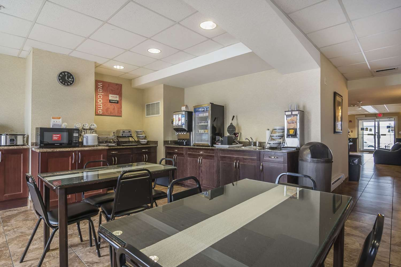 Restaurant - Comfort Inn & Suites Edson