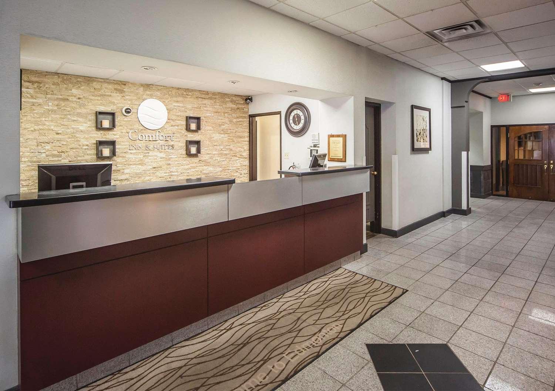 Lobby - Comfort Inn & Suites Edmonton