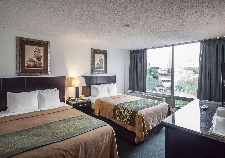 Room - Comfort Inn & Suites Edmonton