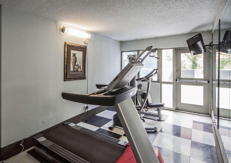 Fitness/ Exercise Room - Comfort Inn & Suites Edmonton
