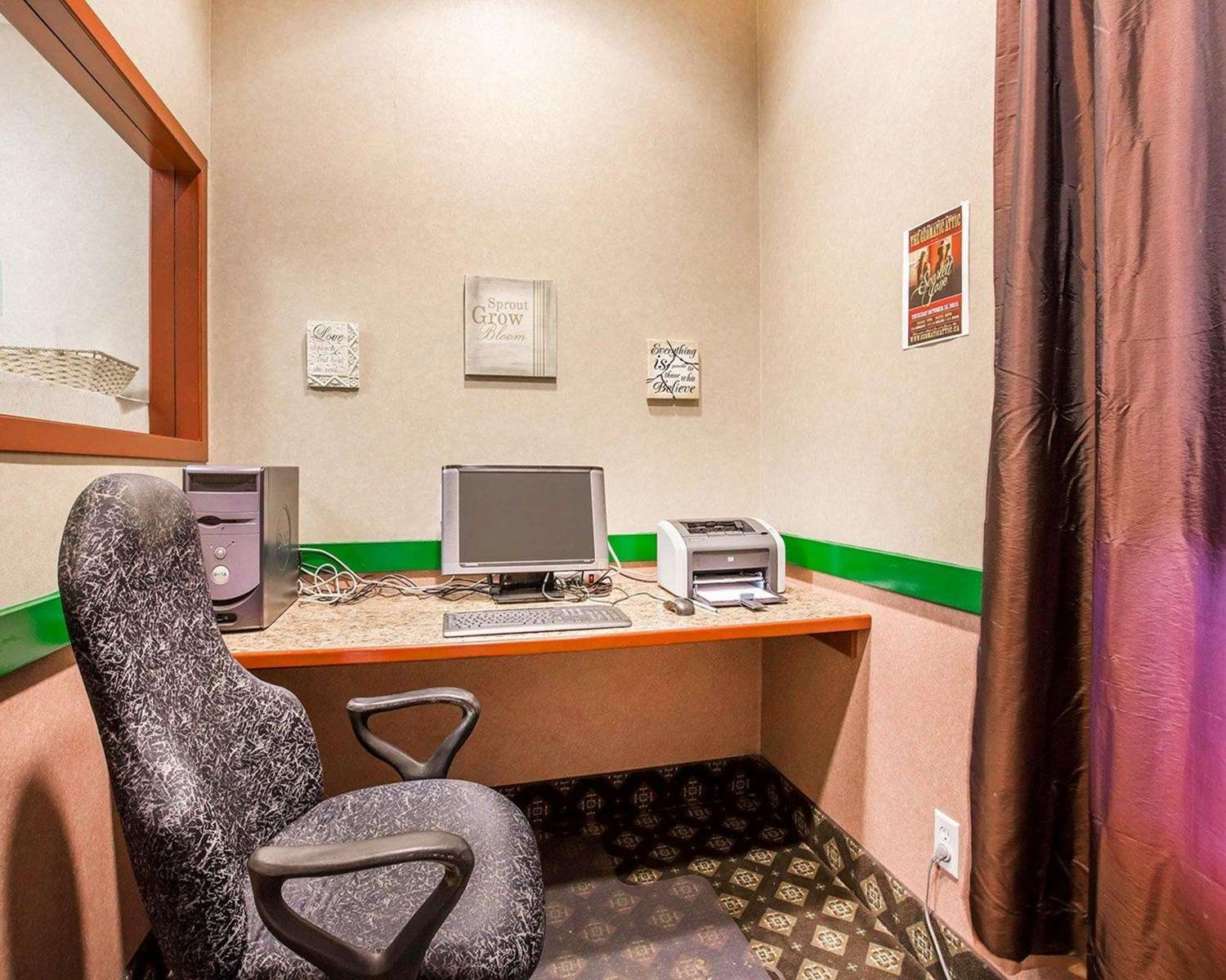 Conference Area - Quality Inn & Suites Lethbridge