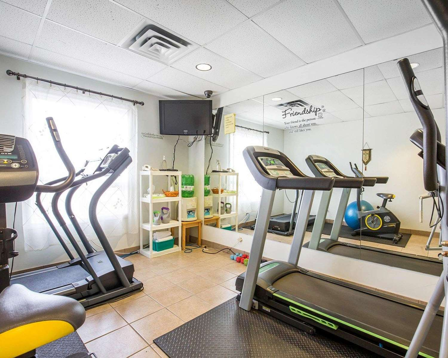 Fitness/ Exercise Room - Quality Inn & Suites Lethbridge