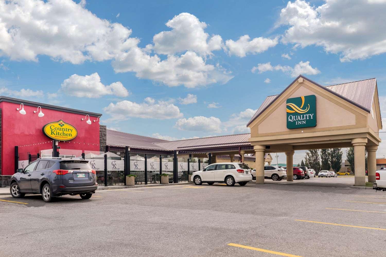 Exterior view - Quality Inn Winkler