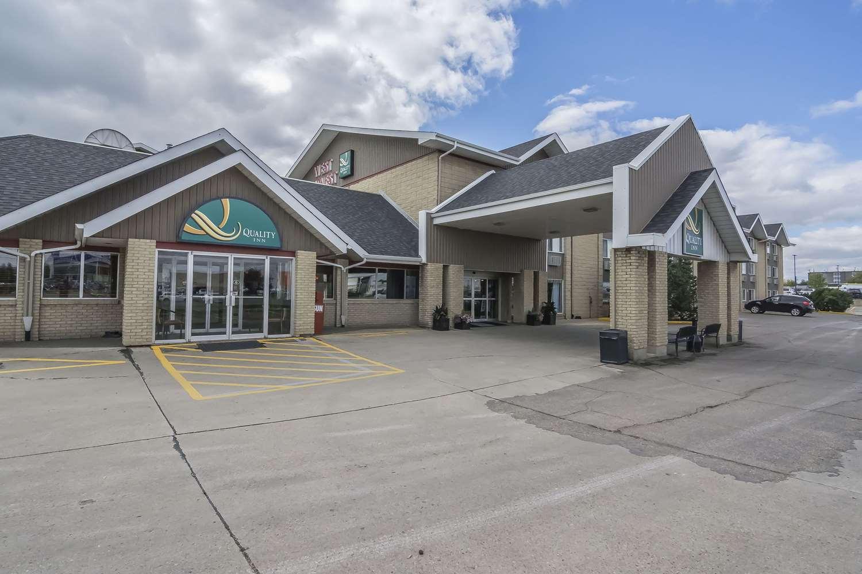 Exterior view - Quality Inn West Edmonton