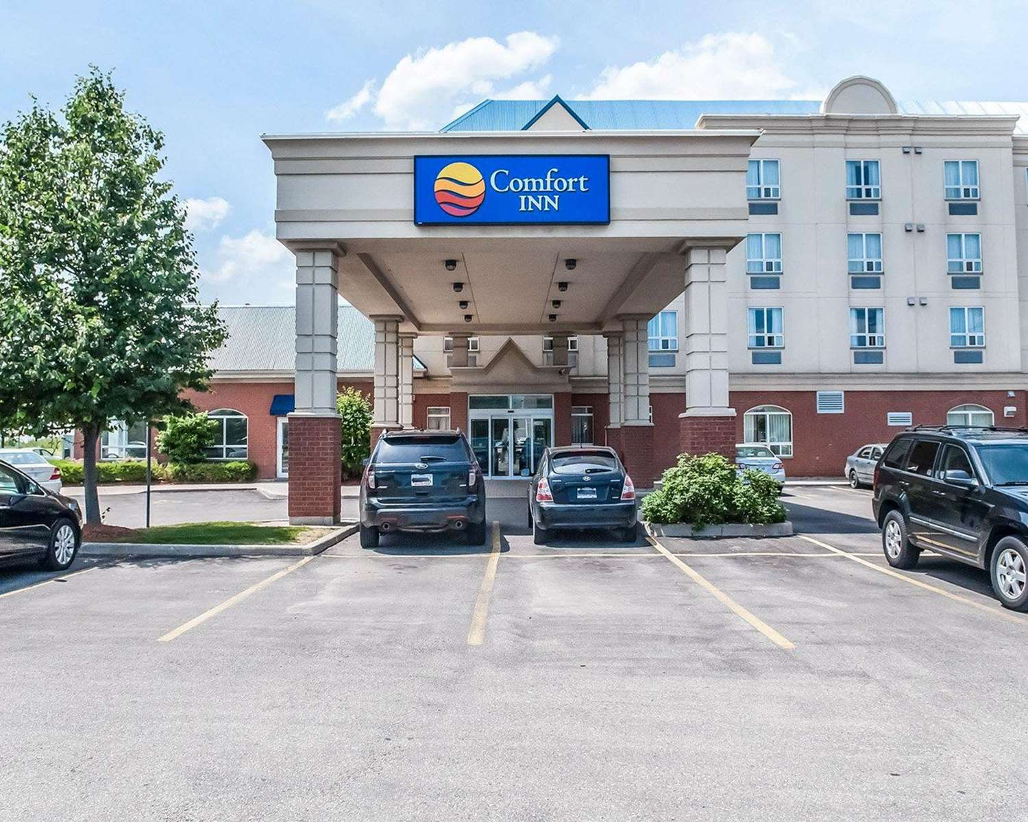 Exterior view - Comfort Inn North Mississauga