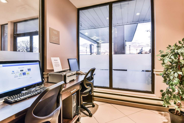 Conference Area - Comfort Inn & Suites Ambassador Bridge Windsor