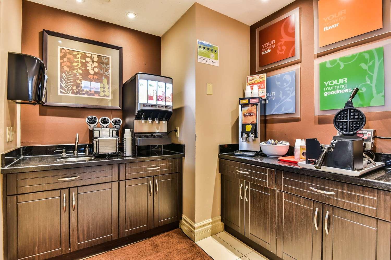 Restaurant - Comfort Inn & Suites Ambassador Bridge Windsor