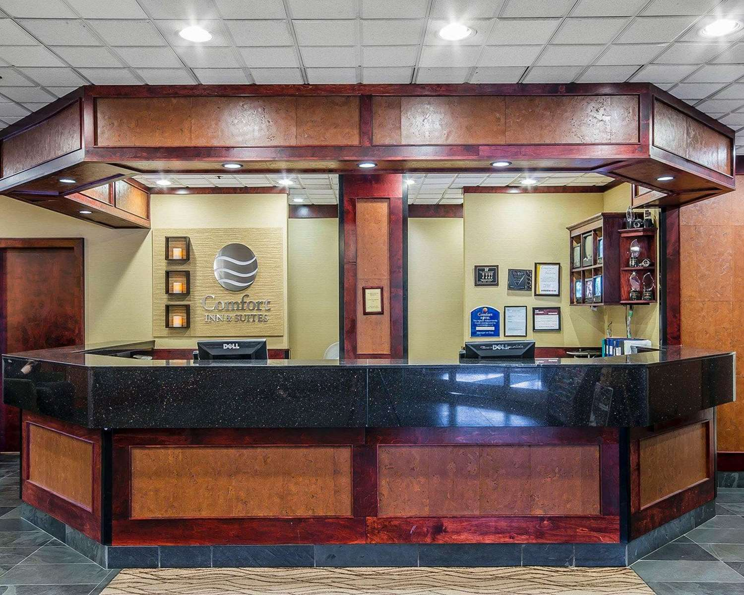 Lobby - Comfort Inn & Suites Conference Centre Victoria