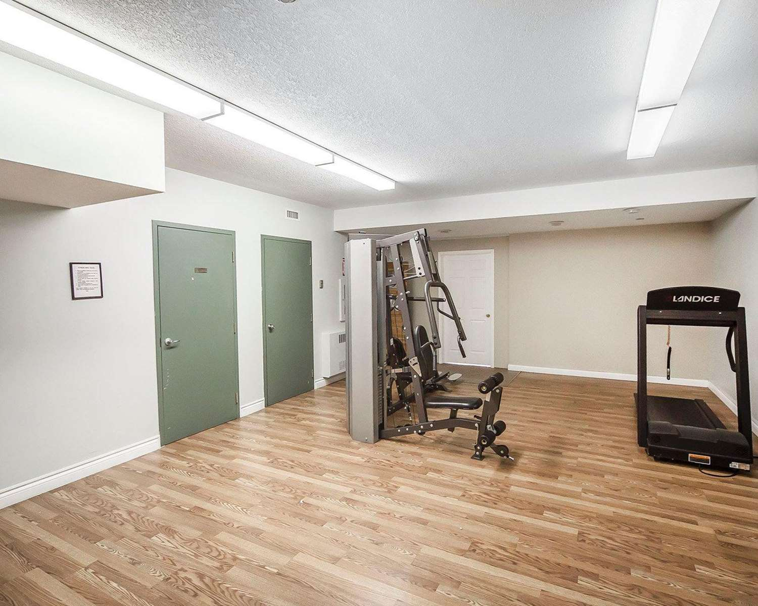 Fitness/ Exercise Room - Econo Lodge & Suites Hinton