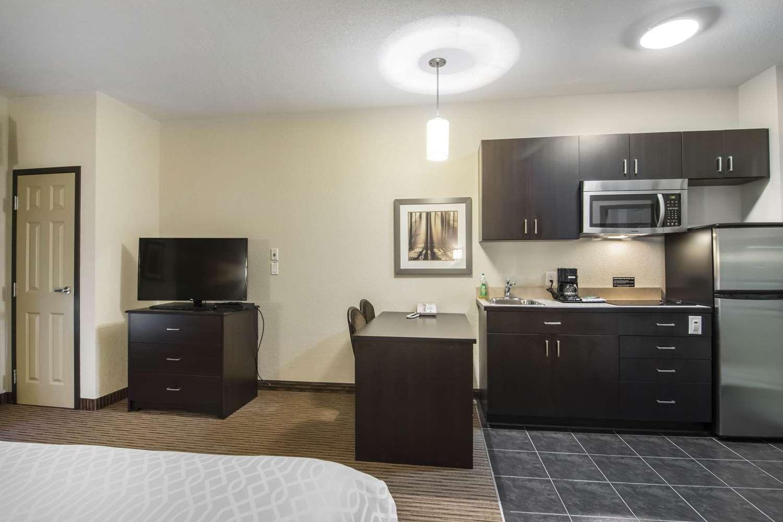 Room - Quality Inn & Suites Thompson