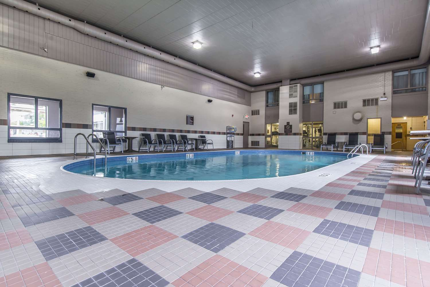 Pool - Quattro Hotel & Conference Centre Sault Ste Marie