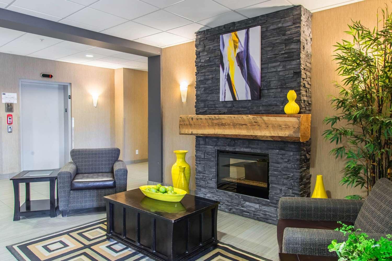 Lobby - MainStay Suites Winnipeg