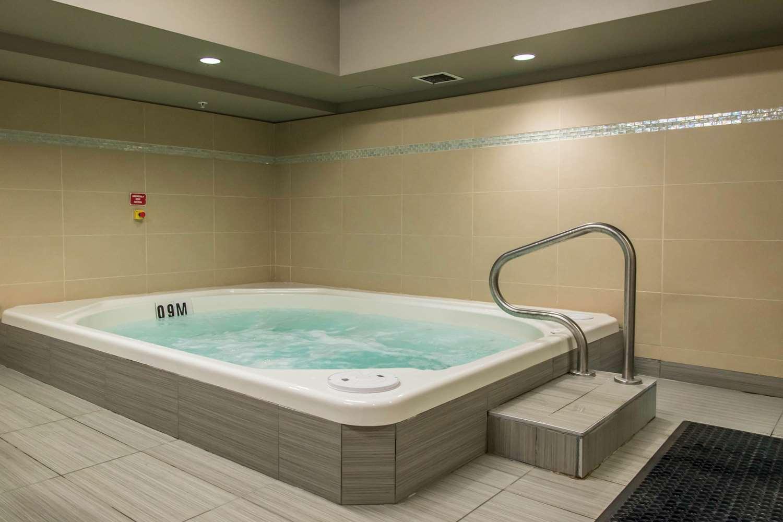 Pool - MainStay Suites Winnipeg
