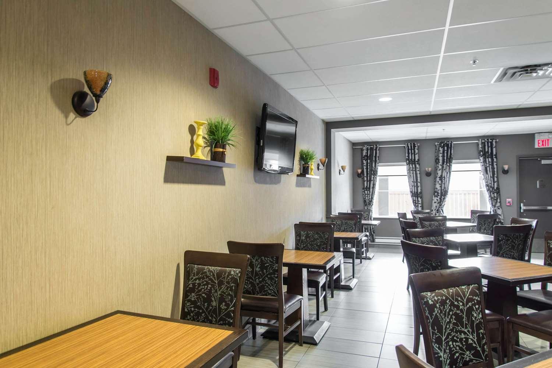 Restaurant - MainStay Suites Winnipeg