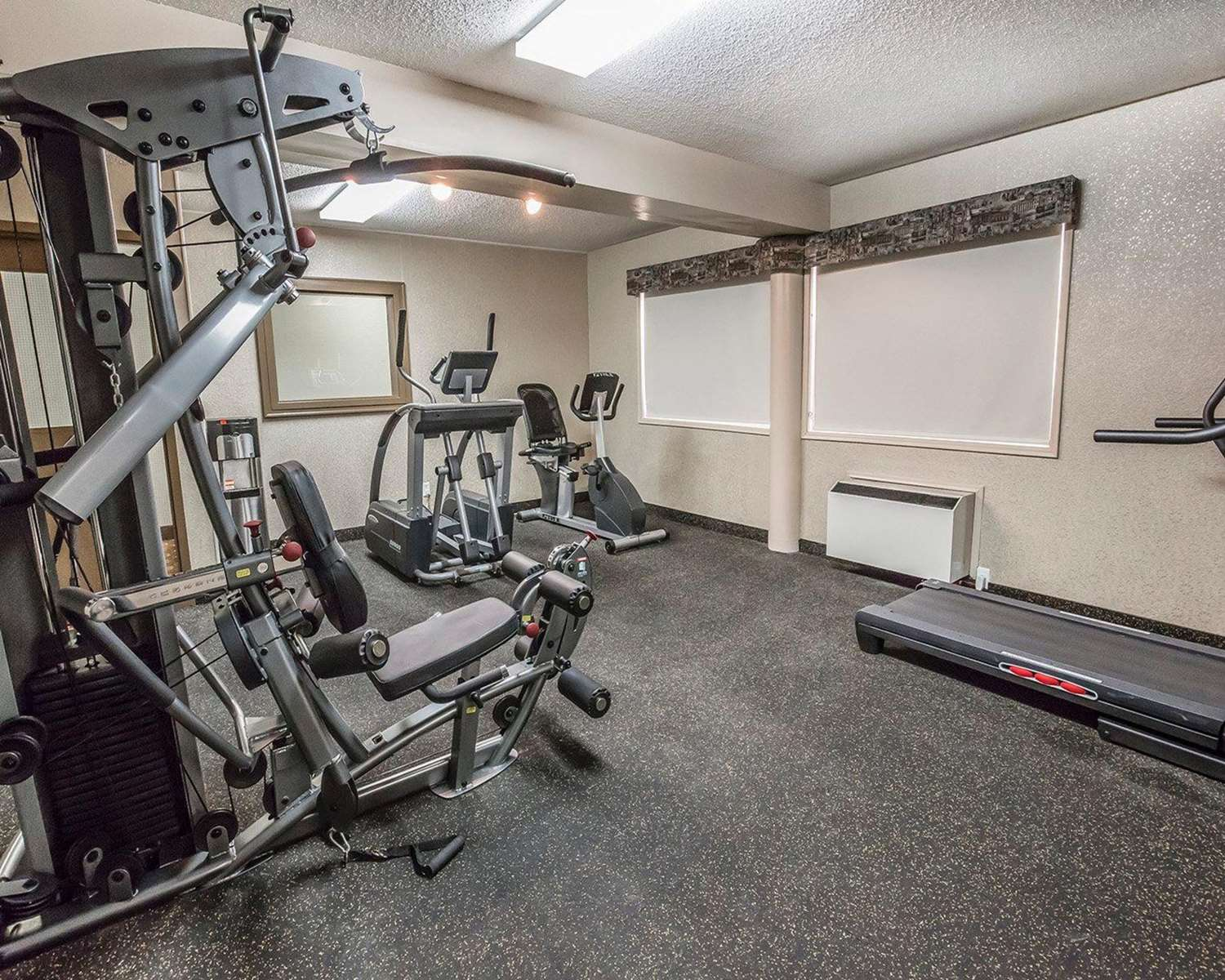 Fitness/ Exercise Room - Quality Inn North Hill Red Deer