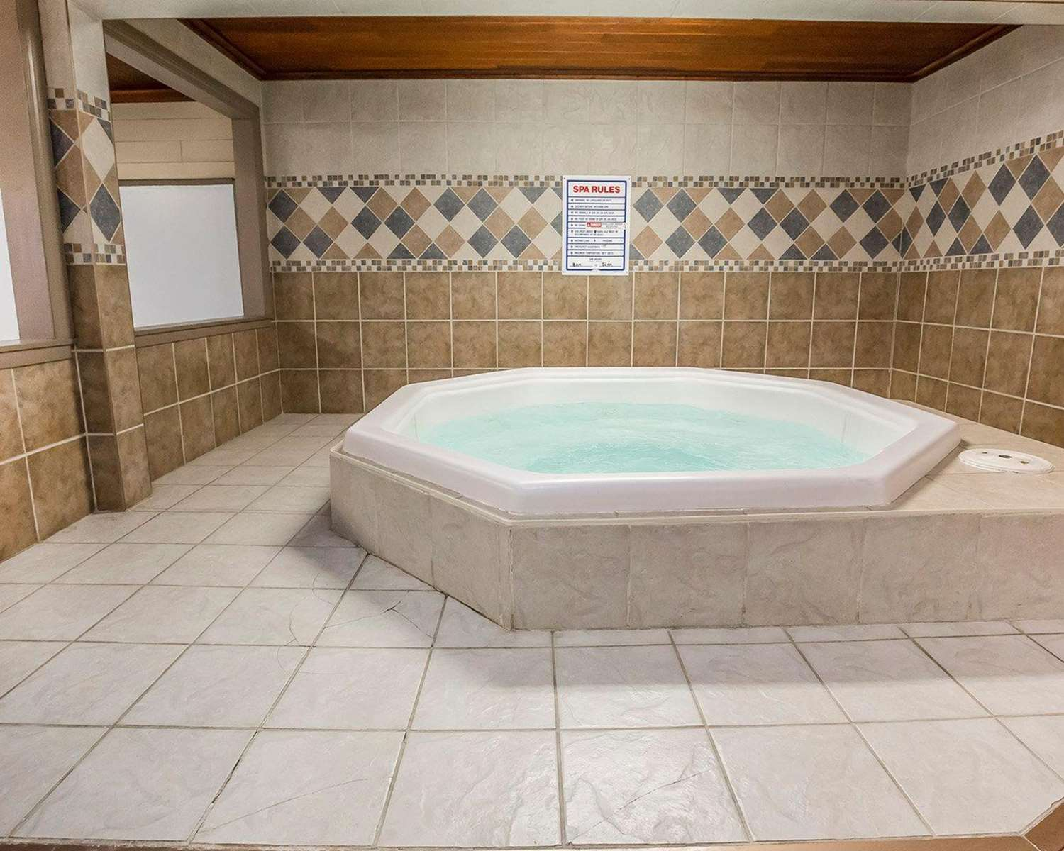 Pool - Quality Inn North Hill Red Deer