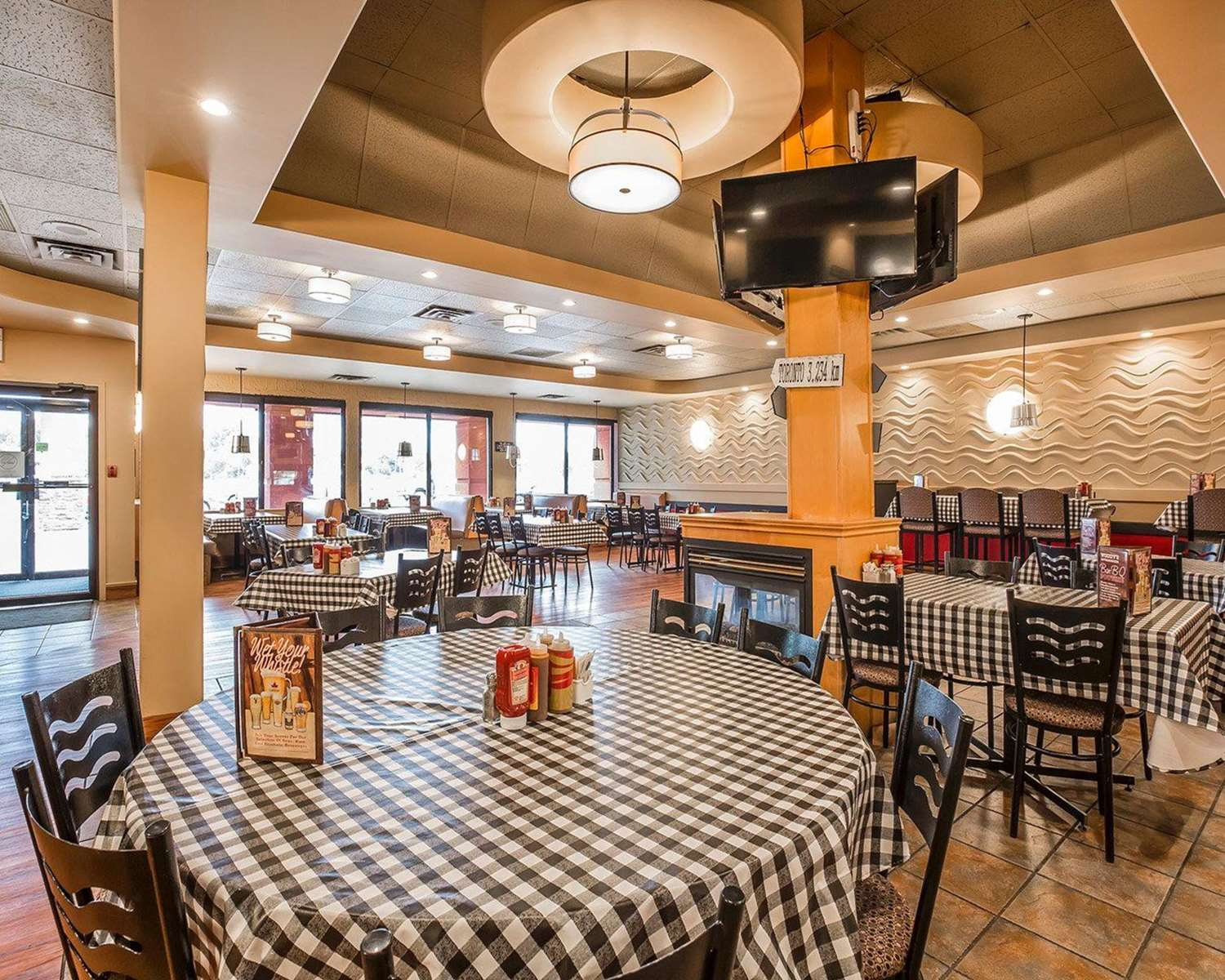 Restaurant - Quality Inn North Hill Red Deer