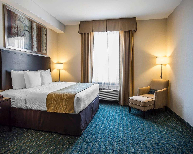 Room - Comfort Hotel Halifax