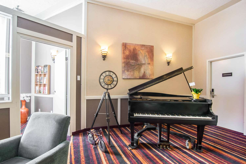 Lobby - Quality Hotel Drumheller